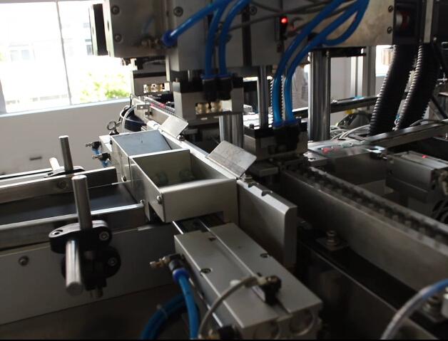 半自动高精度一次性电子烟杆贴标机